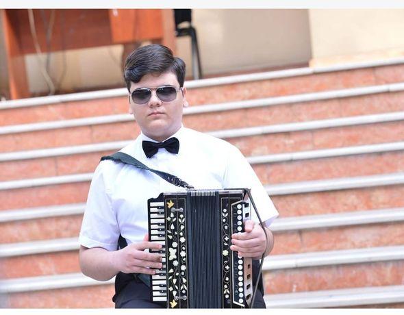 Юный незрячий музыкант: Хотел бы увидеть себя...