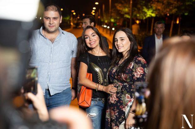 Leyla Əliyeva Bakı bulvarında sərgidə