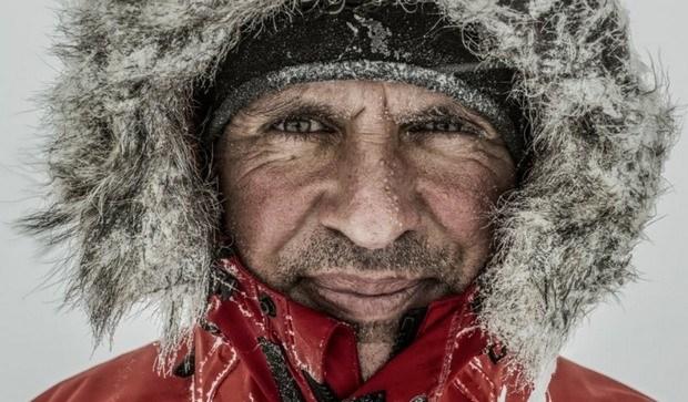 Amerikalı tarixdə ilk dəfə olaraq Antarktidanı təkbaşına keçdi